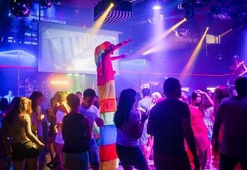 Ночные клубы в анадыре кому жаловаться на ночной клуб